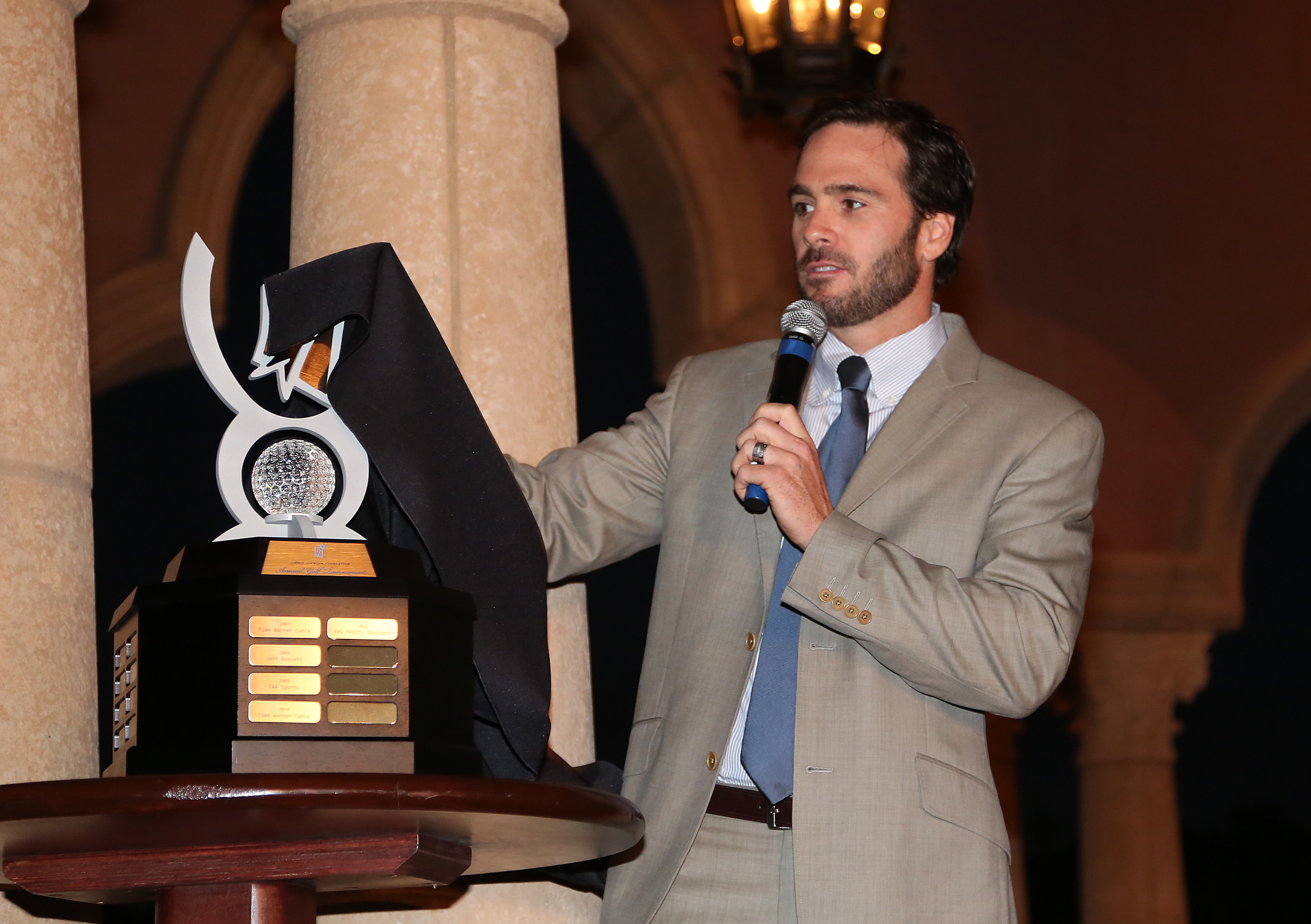 Jimmie unveiled the brand new JJF Golf Tournament Championship Trophy at the Annual Dinner and Auction (San Diego, 2012)