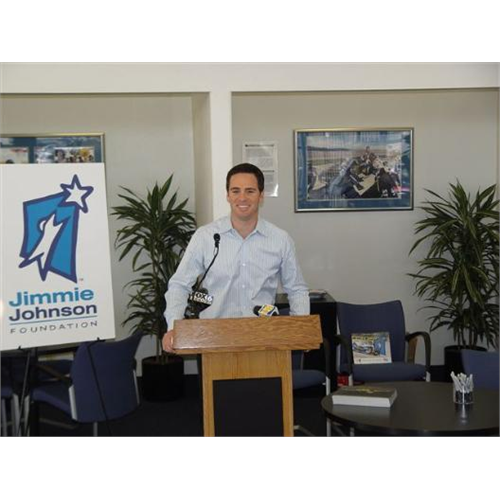 Jimmie announces plans for the Jimmie Johnson Foundation Inaugural Golf Tournament to benefit Habitat for Humanity (San Diego, 2007).