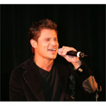 Special musical guest Nick Lachey performed for the guests (San Diego, 2008).