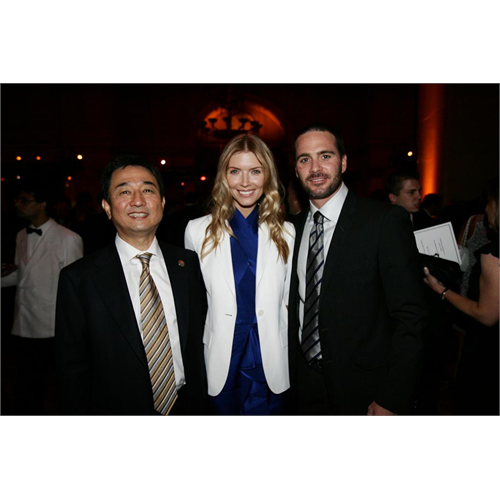 Chandra and Jimmie with Samsung President CS Choi (NYC, 2009)