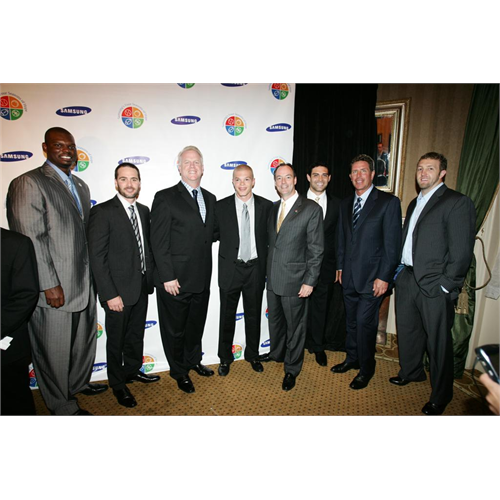 Jimmie joins fellow honorees Jamal Mashburn, Boomer Esiason, Jason McElwain, Mark Sanchez, Dan Marino and Kellen Clemens at the 8th Annual Samsung Four Seasons of Hope Gala (NYC, 2009).