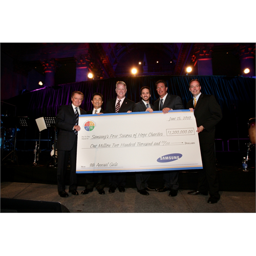 Regis Philbin, Samsung President & CEO CS Choi, Boomer Esiason, Jimmie Johnson, Dan Marino, and Samsung President for Consumer Business Division, Tim Baxter at the Samsung Hope for Children Gala (NYC, 2010)