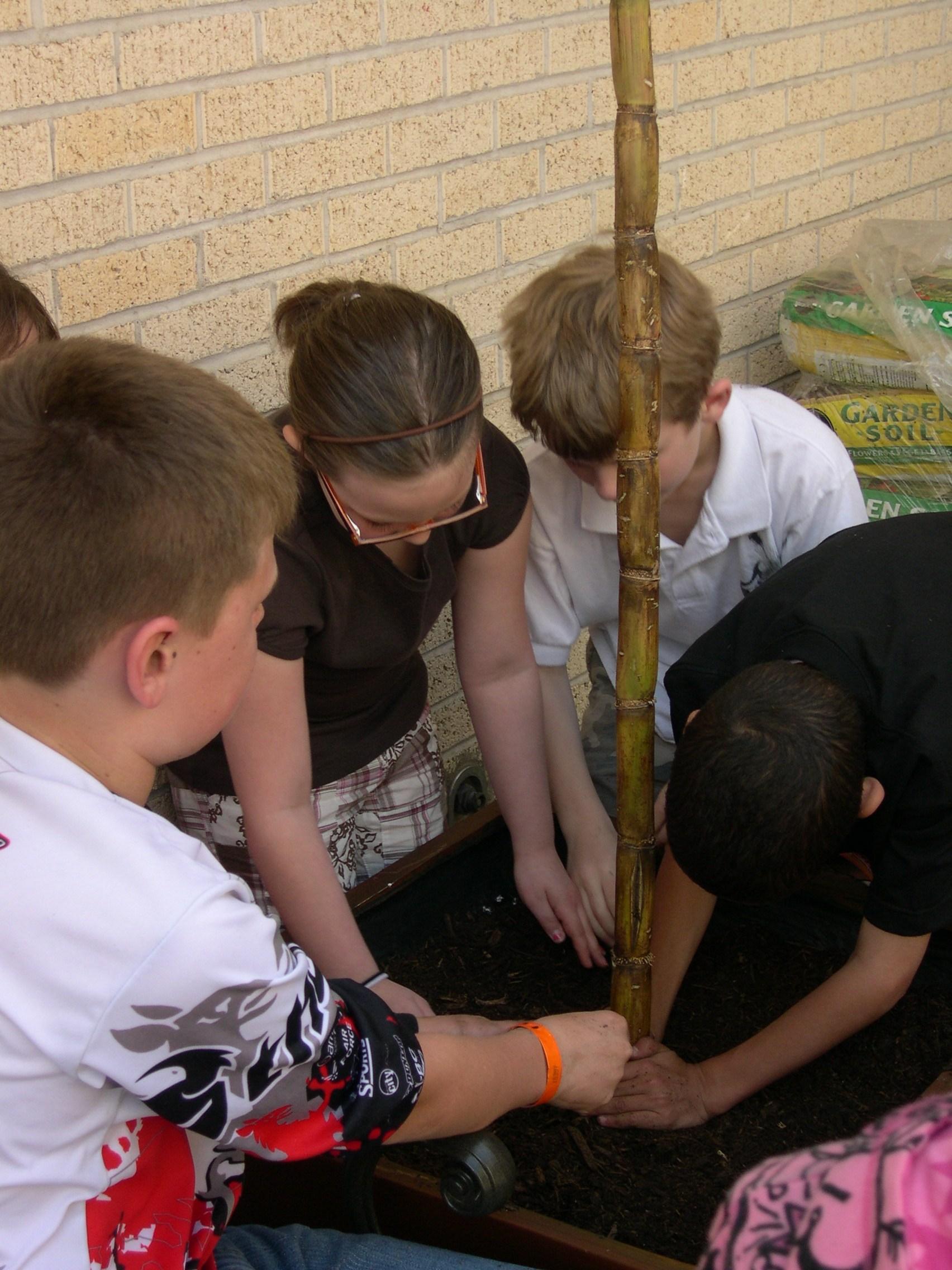 Tony Goetz students enjoying their garden (Muskogee, 2009)