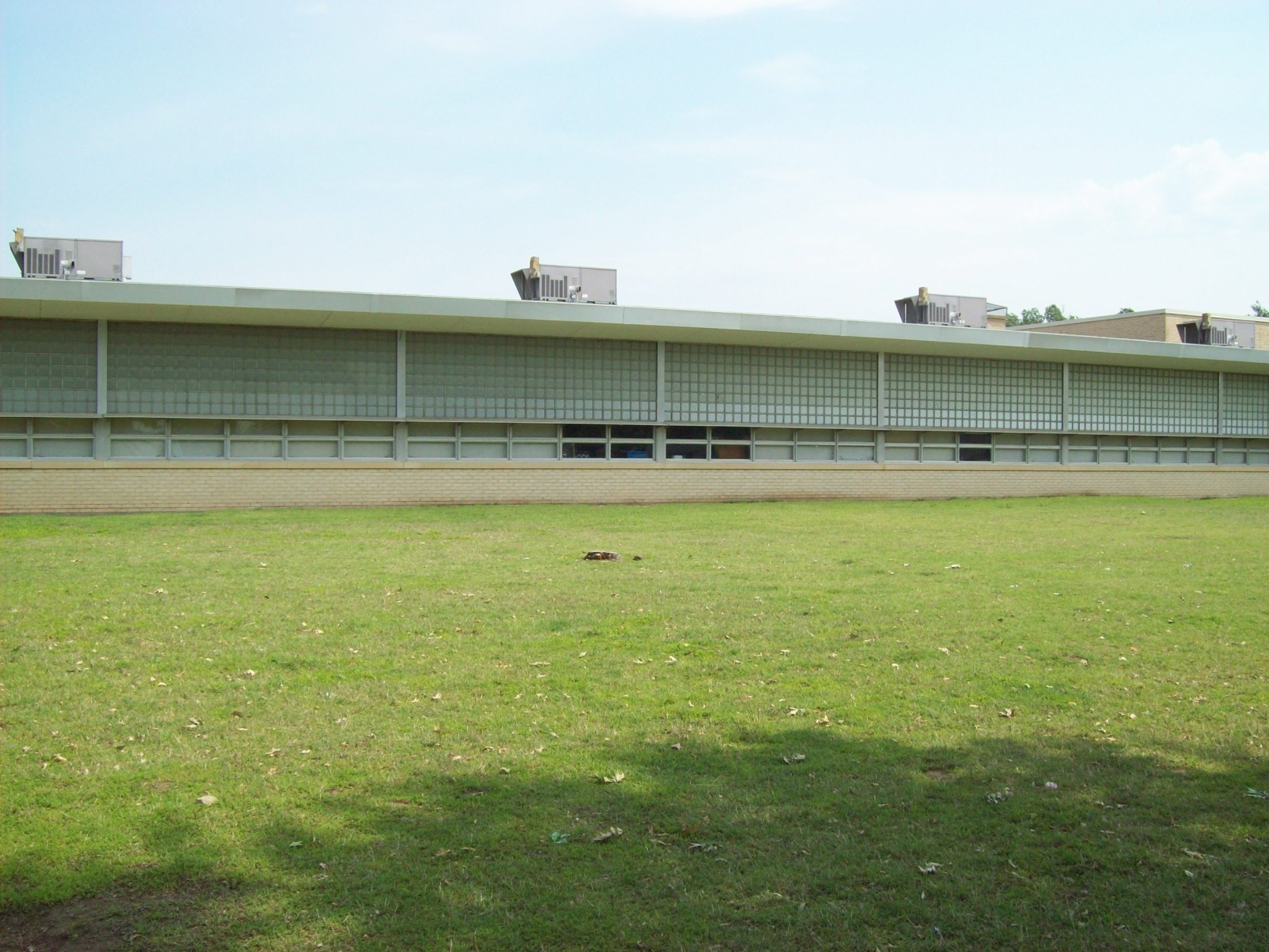 Tony Goetz Elementary after the blinds were installed (Muskogee, 2010)